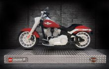 LEGO viert lancering Creator Expert 10269 Harley-Davidson Fat Boy met levensgroot model
