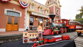 LEGO Disney 71044 Disney Trein en Station designer video uitgebracht