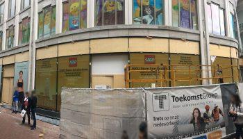LEGO Flagship Store Amsterdam in Kalverstraat opent zijn deuren vóór Sinterklaas