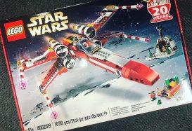 Kerstcadeau voor LEGO-medewerkers: LEGO Star Wars 4002019 Xmas X-wing