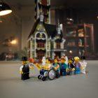 LEGO 10273 Haunted House gedemonstreerd in designervideo