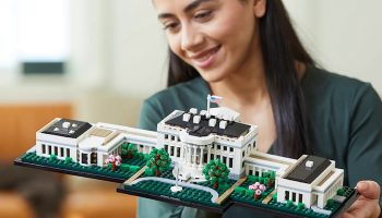 LEGO Architecture 21054 The White House is nu al te koop met korting