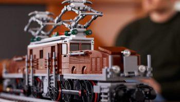 LEGO 10277 Crocodile Locomotive nu te koop in LEGO Shop: weer op voorraad