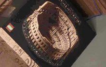 Dit is het LEGO 10276 Roman Colosseum: meerdere foto's van doos gelekt