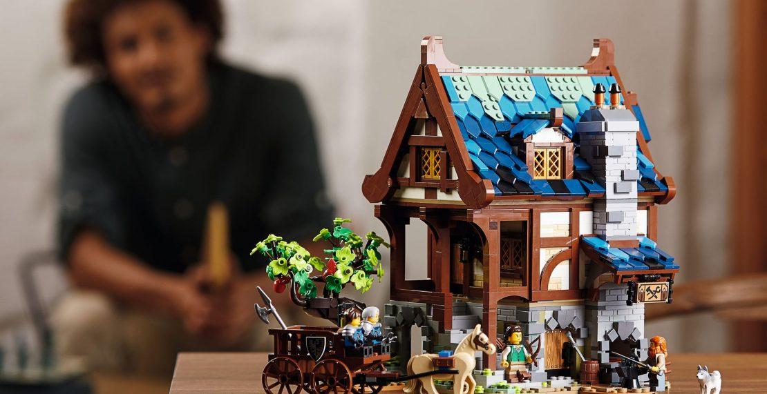 LEGO Ideas 21325 Medieval Blacksmith kopen? Nu beschikbaar