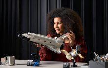 LEGO 10283 NASA Space Shuttle Discovery kopen? Nu beschikbaar in LEGO Shop