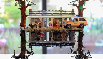 Verschillende LEGO-sets in de aanbieding bij Bol.com: Stranger Things The Upside Down voor €161