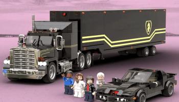 LEGO Ideas Knight Rider: K.I.T.T en de F.L.A.G Mobile Unit