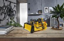 LEGO Technic 42131 CAT D11 Bulldozer officieel gepresenteerd