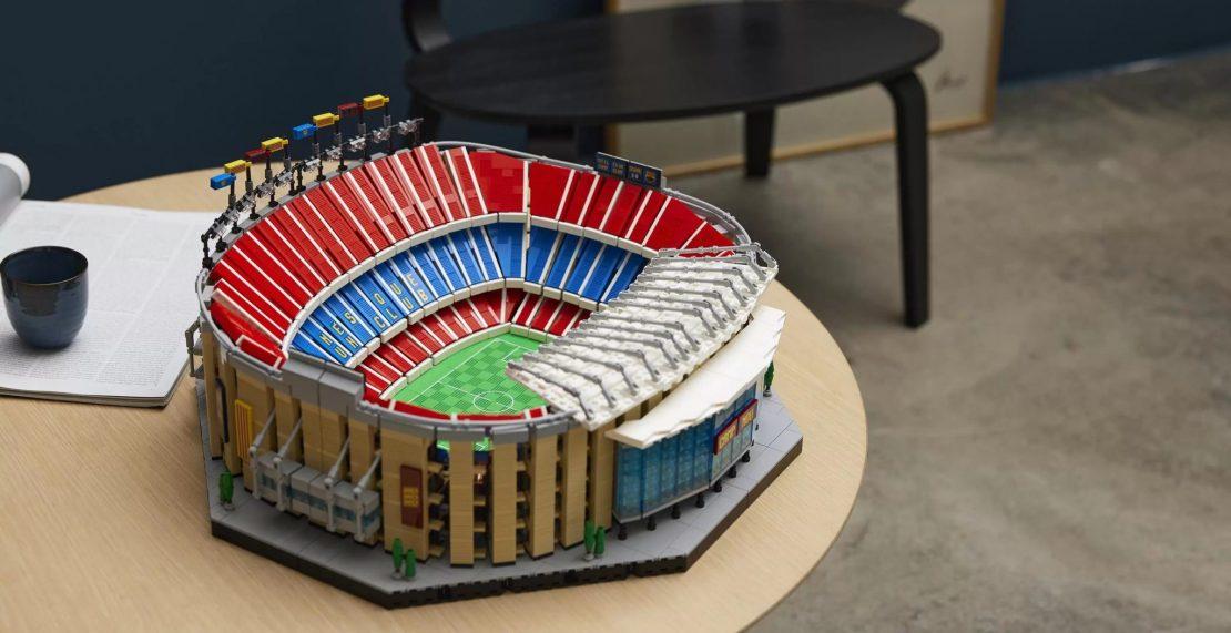 LEGO 10284 Camp Nou – FC Barcelona kopen? Nu beschikbaar met gratis LEGO 40485 FC Barcelona Celebration-set